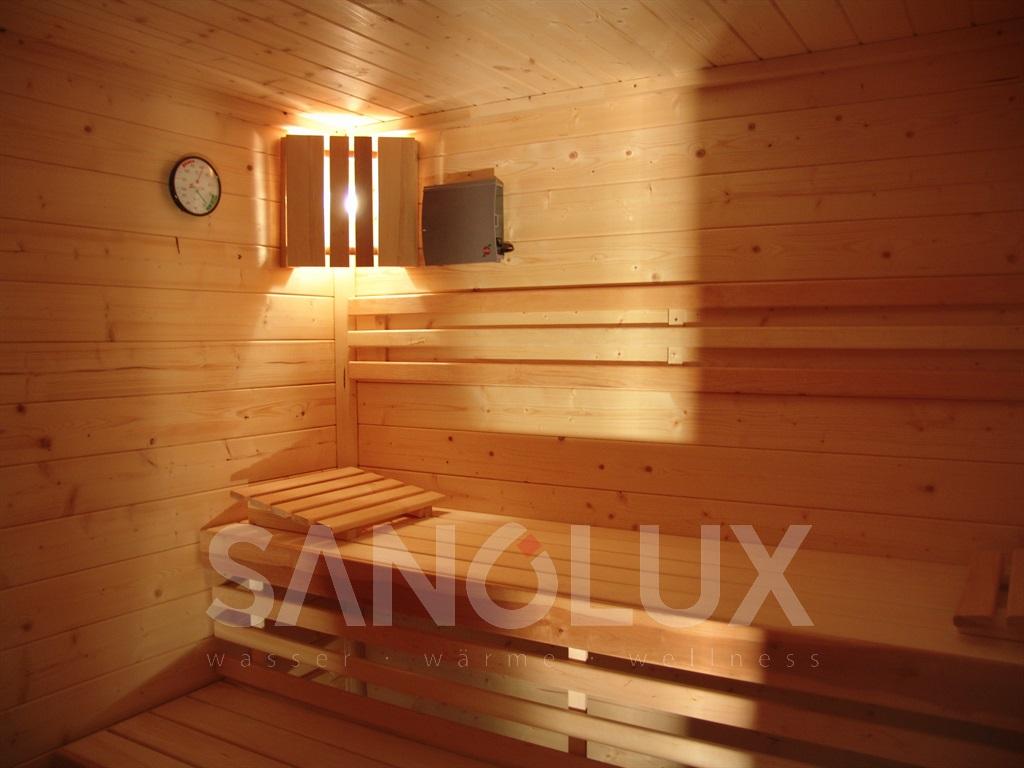 sitzbadewanne behindertenbadewanne rollstuhl badewanne. Black Bedroom Furniture Sets. Home Design Ideas